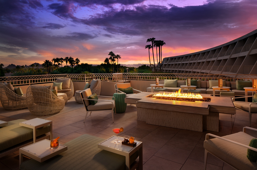 Live Music in The Thirsty Camel Lounge at The Phoenician Resort